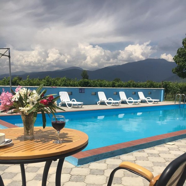 Parampa - Wine and Pool
